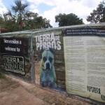 Tierra de Animales Sign